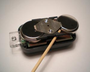 NFS 8 Batterie entfernen
